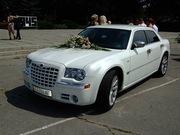 Свадебные Крайслер 300с. Лимузин ,  авто на свадьбу. Симферополь,  Ялта,  Евпатория,  Алушта,  Судак,  Феодосия,  Керчь.