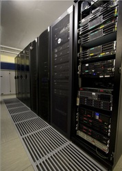 Выделенные и виртуальные выделенные сервера (VPS)!!