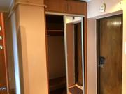 Прихожая: Шкаф,  комод с зеркалом.