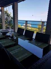 Продам дом в г. Ялте с видом на море,  город,  горы